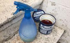 Recette anti-pucerons à pulvériser : 100% bio et naturelle Spray Bottle, Cleaning Supplies, How To Make, Gardens, Plants, Garden, Soap Recipes, Cleaning Agent, Outdoor Gardens