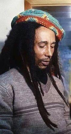 Bob Marley never seizes to disappoint me. Hes very amazing Bob Marley Legend, Reggae Bob Marley, Reggae Art, Reggae Music, Bruce Lee, Eminem, Rastafarian Culture, Bob Marley Pictures, Marley Family