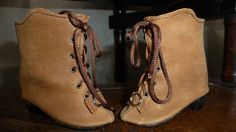 LEATHER DOLL BOOTS WITH HEEL FOR ANTIQUE GERMANY OR FRENCH DOLL /Puppenstiefel
