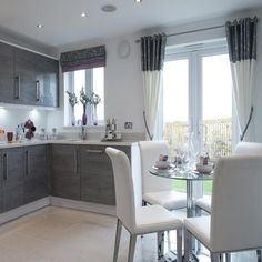 A light and airy kitchen/dining room makes for a perfect place to wine and dine. #TaylorWimpey #Kitchen #DiningRoom #Home #Decor #InteriorDesign #InteriorDesignIdeas #Contemporary