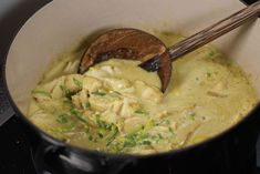 Fiskegryte med kokosmelk Milk And Eggs, Fish Dishes, Egg Free, Cheeseburger Chowder, Thai Red Curry, Dairy Free, Food And Drink, Soup, Chicken
