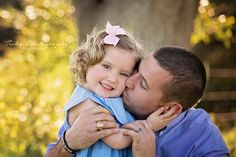 Tishy Photography, family photographer, Austin photography, daddy and daughter, Austin child photographer, dad love
