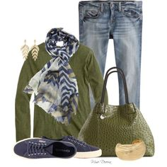 casual day! boyfriend jeans and sneakers