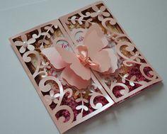 """Convite """" Jardim Encantado das Borboletas """"    Lindo convite produzido em papel perolado !  Interior do convite : papel fotográfico, acabamento perfeito !    Dimensões do Convite : 13 altura x10cm comprimento"""