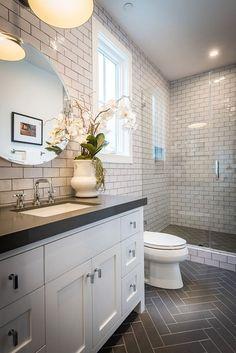 Fabulous 75 Bathroom Tiles Ideas for Small Bathrooms https://decorspace.net/75-bathroom-tiles-ideas-for-small-bathrooms/