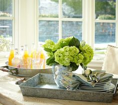 Take brunch, flowers, plates or drinks anywhere on a tray! Loving the galvanized metal look for summer.