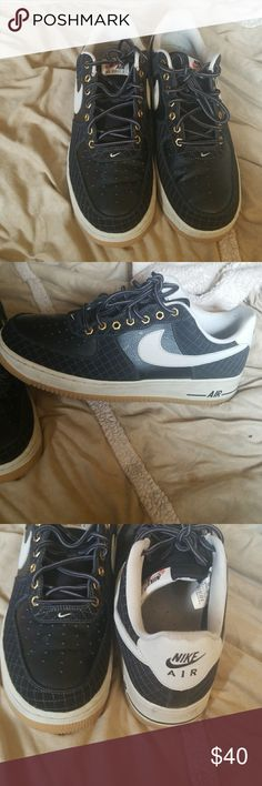 Nike Dunk Black sneakers, great condition size 11 Nike Shoes