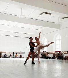 Ballet Dance Videos, Ballet Dancers, Ballerinas, Ballet Crafts, Pilates Fitness, Long Sleeve Leotard, Tango Dance, Ballet Beautiful, Dance Choreography