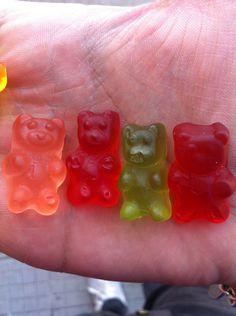 Gummy bears *__*