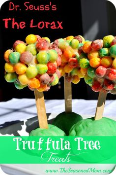 "The Lorax's Truffula Tree Treats Dr. Seuss ""The Lorax"" Truffula Tree Treats! Dr. Seuss, Dr Seuss Week, Dr Seuss Lorax, Dr Seuss Snacks, Dr Seuss Activities, Preschool Snacks, Classroom Snacks, Dr Seuss Classroom Treats, Party Activities"