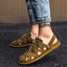 Casual Summer Closed Toe Hollow Lace-Up Men's Sandal