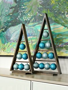 DIY Wood A-Frame Triangle Ornament Stand | Dans le Lakehouse