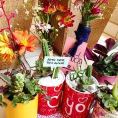 Preparativos para o evento de Dia dos Namorados na loja AMP do Centro. Passa lá amanhã das 13h às 18h! Fica na São Luís 72.