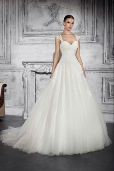 f9fb4131bfaa Νυφικά Φορέματα Demetrios Collection - Style 739 Στυλ Ντυσίματος Σε Γάμους