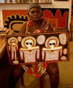 Wandjina rain god ochre on canvas Lily Karadada Aboriginal Art Animals, Aboriginal Dot Art, Aboriginal Painting, Aboriginal Culture, Aboriginal Artists, Dot Painting, Cave Drawings, Paper Mache Clay, Australian Art