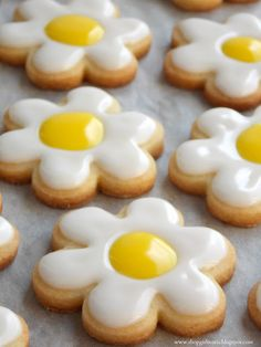 DAISY SUGAR COOKIES (Recipe from Martha Stewart) *Makes about 2 dozen cookies* YOU WILL NEED: SUGAR COOKIES 2 cups all-purpose flour 1/2 ts...
