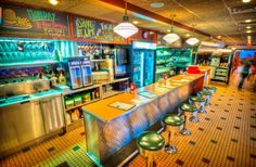 Sioux Falls, SD - If you're in the mood for all-American food piled high in a retro dining atmosphere, stop by Phillips Avenue Diner. Enjoy a fun malt shop vibe while enjoying classic diner specialties along with chef-inspired creations. They serve breakfast, lunch and dinner.