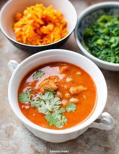 Curry pomidorowe z dorszem i ciecierzycą