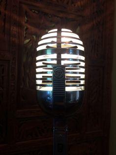 An EV 726 Vintage Microphone, Electronics