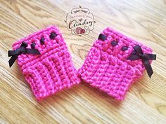 Free crochet boot cuff pattern on Ravelry.  Pattern is by Sincerely Pam. I really like the ribbon idea.
