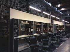Rudys Barbershop, New York City hairdresser Barbershop Design, Barbershop Ideas, Barber Shop Decor, Industrial Interior Design, Industrial Style, Concept Shop, Salon Furniture, Retail Space, Salon Design