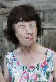 Ah, the old 'squash your face up against the glass technique' .... but photographer Rut Mackel's series The Ugly Truth gives an old idea some fresh impetus