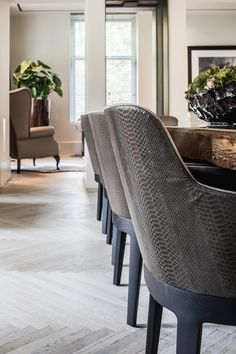 The Netherlands / Bathmen / Private Residence / Dining Room / Cravt / Viceroy / Kabaz Architects / Eric Kuster / Metropolitan Luxury Dinning Chairs, Living Room Chairs, Dining Room Furniture, Furniture Sets, Dining Tables, Luxury Chairs, Luxury Dining Room, Dining Room Design, Luxury Interior