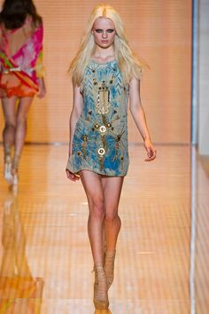 Milan Fashion Week: Versace Spring / Summer 2013 RTW