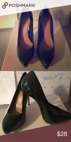 ❤Vince Camuto❤size #7 Just Like New Comfortable platform, easy march outfit , sexy Vince Camuto Shoes Platforms