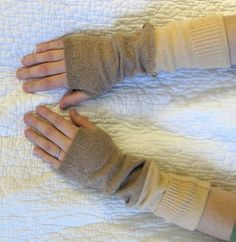 Resweater: easy no sew hand warmers, fingerless gloves