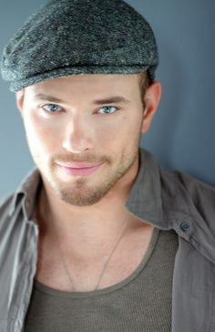 kellan_lutz-twilight_saga_breaking_dawn_part_2-7