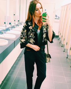 I know the glamour of a loo selfie. Still it was in the offices next to coutts bank so still sort of glam? @marksandspencer chinoiserie silk jacket and @dorothyperkins man chinos