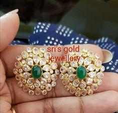 Royal Jewelry, Ear Jewelry, Indian Jewelry, Jewelery, Indian Earrings Gold, Gold Jewelry, Indian Necklace, Gold Bangles, Antic Jewellery