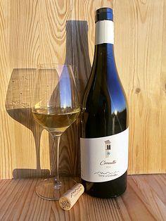 Veneto bianco IGT - Uve di Bronner e Johanniter White Wine, Alcoholic Drinks, Bottle, Glass, Drinkware, Alcoholic Beverages, Flask, Liquor, Jars