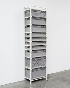 the inspiration provider - pop-up-x: Ralph Schulz - Regalsystem EUROBOX,. Crate Furniture, Furniture Projects, Furniture Design, Racking System, Wardrobe Cabinets, Smart Storage, Mystery Box, Pop Up, Furniture Inspiration