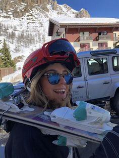 Ski Season, Winter Season, Ski And Snowboard, Snowboarding, Ski Ski, Mode Au Ski, Winter Pictures, Winter Wonder, Jolie Photo