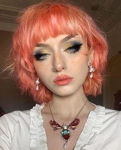 Pretty Makeup, Cute Makeup, Makeup Looks, Hair Makeup, Dye My Hair, New Hair, Short Grunge Hair, Mullet Hairstyle, Alternative Makeup