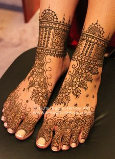We provide professional and high quality henna art services to the GTA - Toronto, ON, Canada. We use only natural and freshest ingredients for our henna paste in order to get a long lasting and beautiful stain. Tattoo Henna, Henna Mehndi, Henna Art, Mandala Tattoo, Mehendi, Mehndi Art, Wedding Henna, Bridal Henna, Wedding Hair