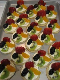 sugar cookie fruit tarts, looks like a great summer treat!