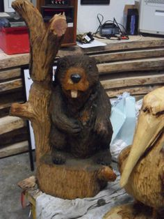Chainsaw Wood Carvings and sculptures by Jim Menken, Canadian Chainsaw Carver and Artist, carving in Orangeville, Toronto, Mississauga and other parts of Southern Ontario. Beavers featured here.