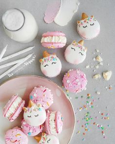 Unicorn Birthday Cake Macarons - January 13 2019 at - and Inspiration - Yummy Meals - Recipes Ideas - And Kitchen Motivation - Delicious Comfort Foods - Fans Of Food Addiction - Decadent Lifestyle Choices Cute Desserts, Vegan Desserts, Bright Birthday Cakes, Cake Birthday, Unicorn Macarons, Unicorn Foods, Salty Cake, Vegan Cake, Savoury Cake