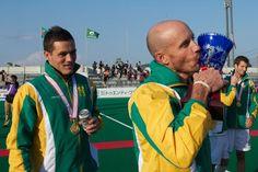 Clark kisses the Trophy Hockey Teams, Kisses, Olympics, African, Blowing Kisses, Kiss