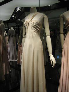 Madeleine Vionnet, puriste de la mode.  Paris - UCAD musée de la mode et du textile. 2010.