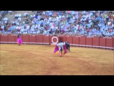 ▶ Corrida de Toros en Seville España (Spanish Bullfight) Part 1 - YouTube
