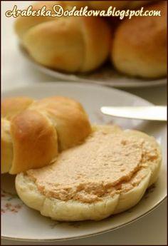 Litewska pasta z drobiu Polish Recipes, Appetisers, Apple Pie, Appetizer Recipes, Hamburger, Food And Drink, Pasta, Bread, Spreads