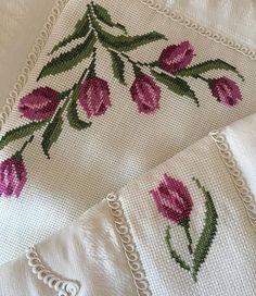 Cross Stitch Rose, Cross Stitch Flowers, Cross Stitch Embroidery, Bargello, Baby Knitting Patterns, Embroidery Designs, Easy Cross Stitch, Bath Linens, Craft