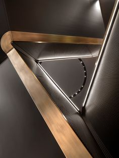 The new flagship store of Brioni has opened in Frankfurt. The men's high fashion Italian brand, of group Kering , has entrusted to Park Associati the. Contemporary Architecture, Architecture Details, Interior Architecture, Interior Design, Stair Handrail, Railings, Stair Detail, Interior Stairs, Staircase Design