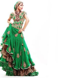 green with envy divinely green Indian sari skirt blouse layered with gypsy styling green velvet skirt as base (we used to hv a green velvet long Spanish flounced skirt in our dress up box, it was the best! Indian Dresses, Indian Outfits, Asian Fashion, Boho Fashion, Dance Fashion, Belly Dance Costumes, Gypsy Style, Gypsy Chic, Salwar Kameez