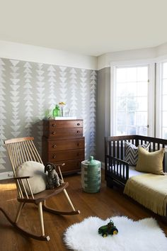Patterned wall stamped with a sponge