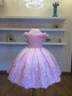 Little Girl Gowns, Gowns For Girls, Dresses Kids Girl, Girls Party Dress, Dog Dresses, Kids Outfits, Birthday Frocks, Party Frocks, Lavender Flower Girl Dress